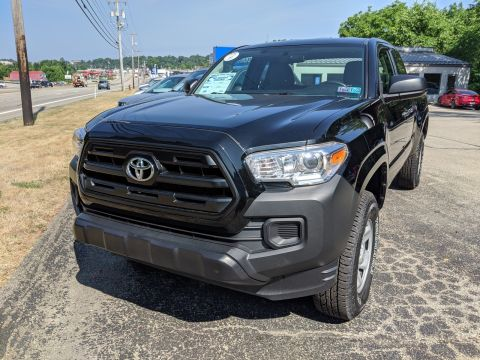 Pre-Owned 2016 Toyota Tacoma SR